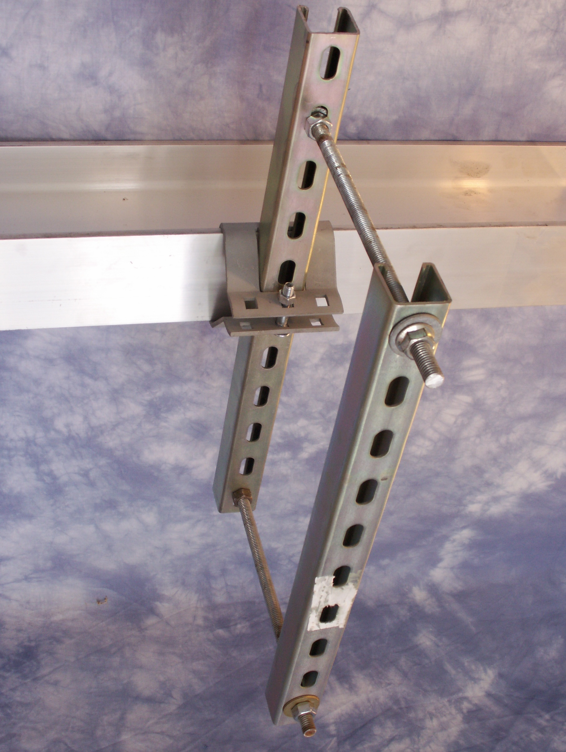 Beam clamp pipe conduit hvac attachment clamping and
